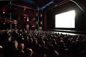 Il arrive - art cinématographique - événement cinématographique